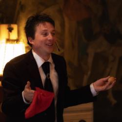 Humorvoll und verblüffend - die Zaubershow mit Magic Martin