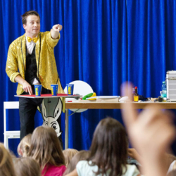 Kinderzauberer Magic Martin